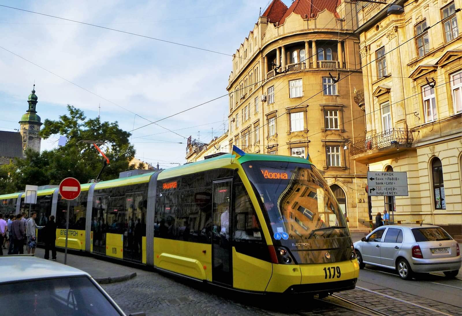 Business trip to Lviv: the perfect car for business trips -1